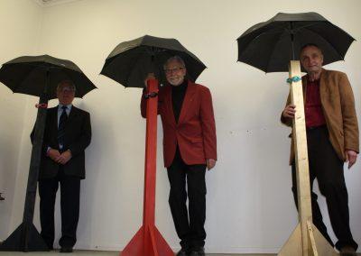 """Installation """"Alles Gute kommt von oben"""" mit Vernissage-Besuchern von """"Last of the Summer Wine"""", 2011"""